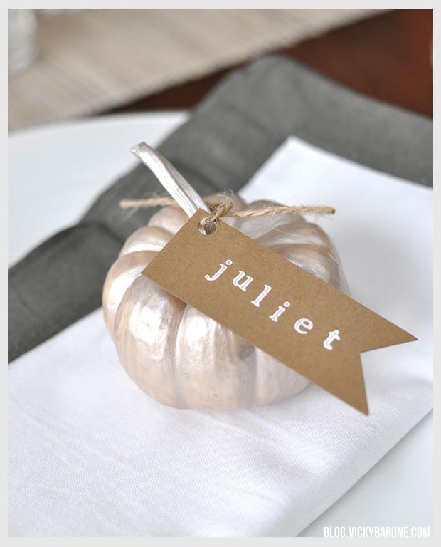 DIY Thanksgiving Pumpkin Place Cards