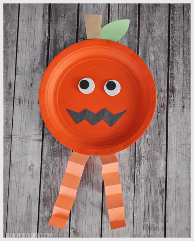 Paper Plate Halloween Jack-O-Lantern Craft | Vicky Barone