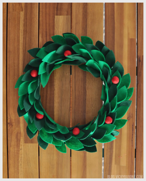 DIY Felt Holly Wreath | Vicky Barone