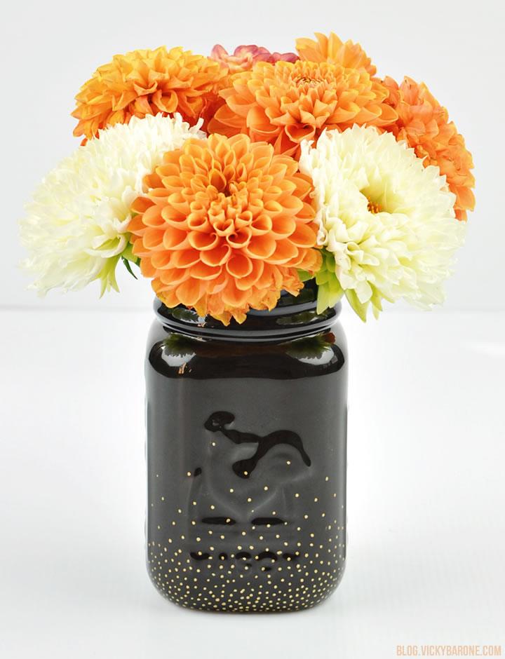 DIY Black & Gold Mason Jar Vase | Vicky Barone
